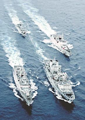 中国航母编队亮相为期不远